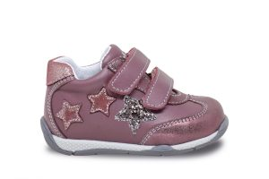 Girls sport shoe